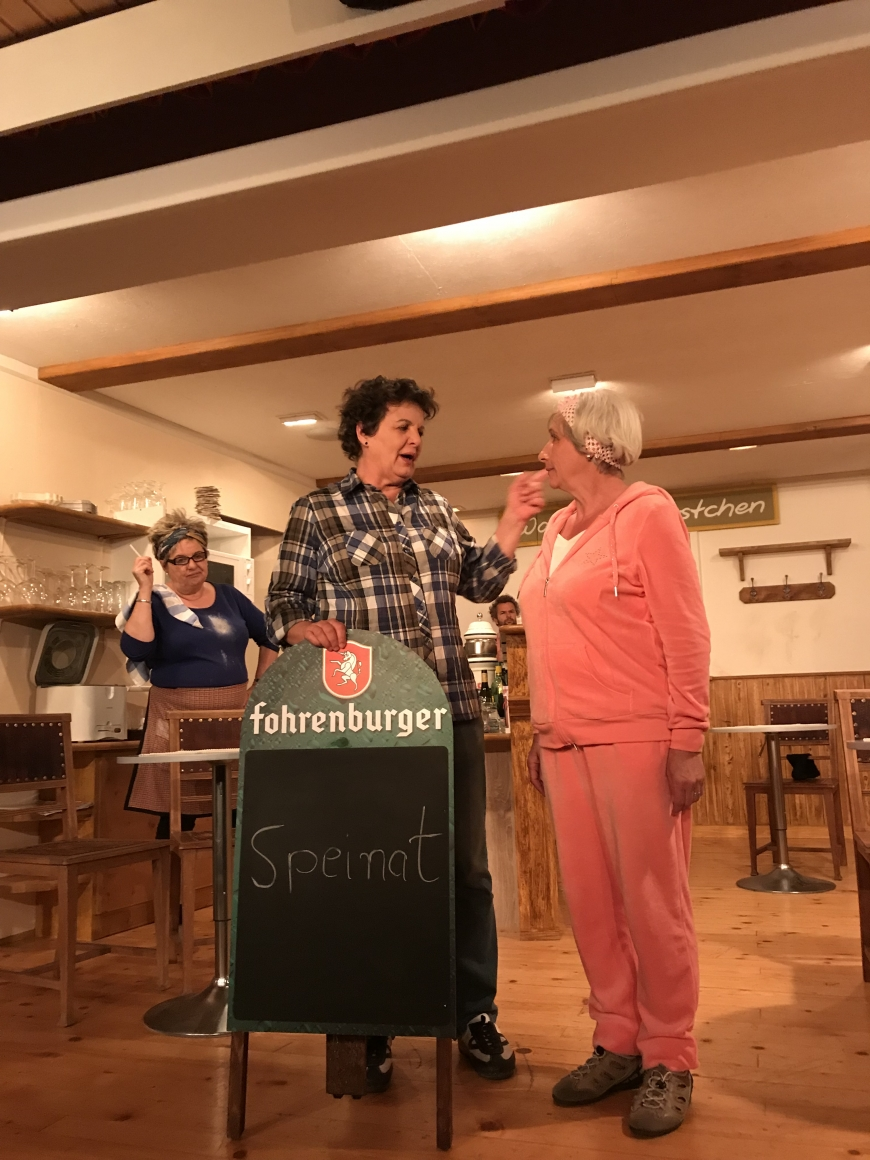 'Großzügige Spende der Theatergruppe Latschau durch Benefizvorstellung'-Bild-1