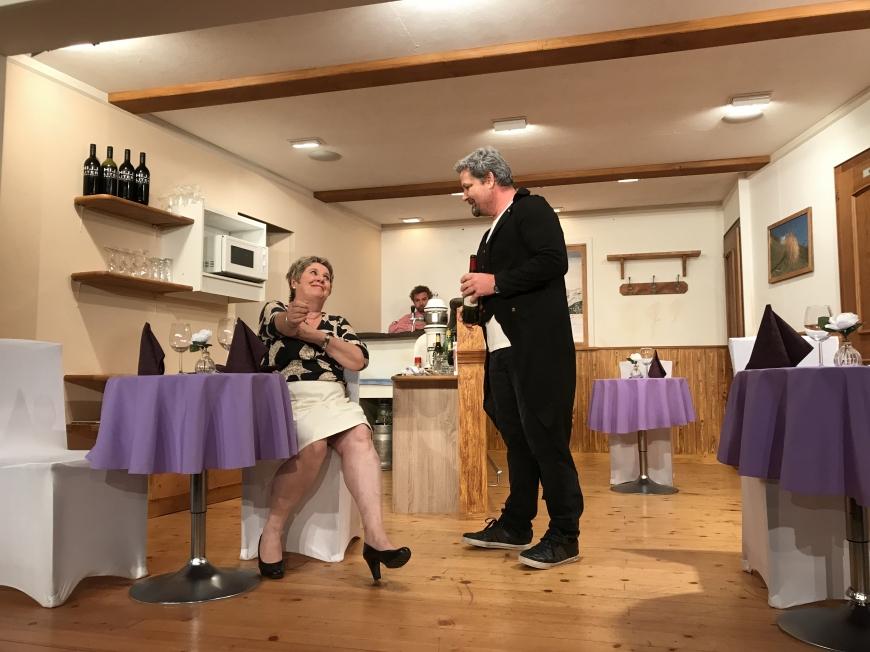 'Großzügige Spende der Theatergruppe Latschau durch Benefizvorstellung'-Bild-5