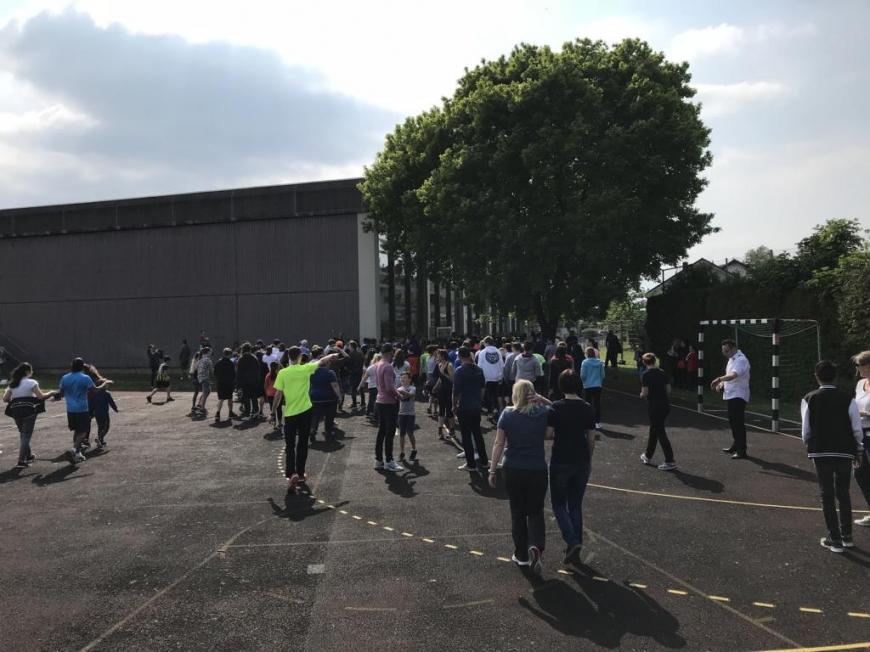'Harder Mittelschule sammelt über € 2.200 an Spenden und ergänzt durch Privatspende'-Bild-2