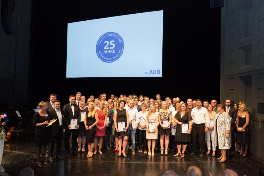 'Unser Kooperationspartner Aktion Knochenmarkspende Bayern feiert Jubiläum'-Bild-2