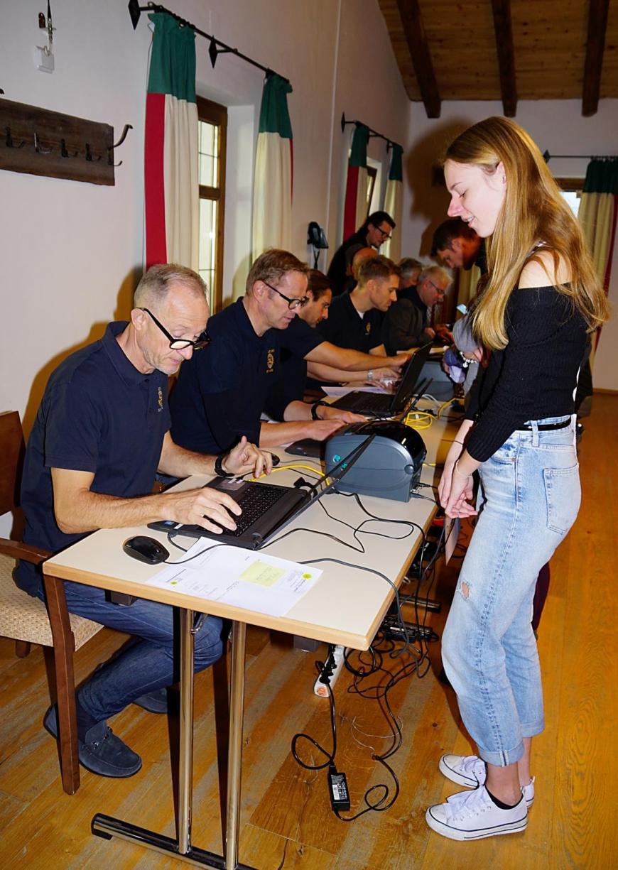 'Große Typisierungsaktion mit dem Rotary Club für kleinen Buben aus Imst'-Bild-60
