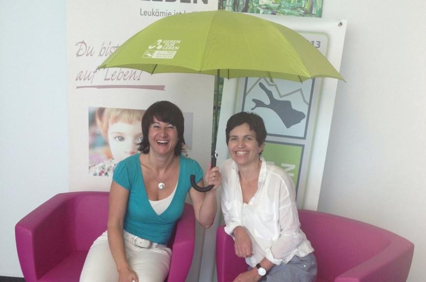 'Kauf von Regenschirmen und Prämierung der lustigsten Schirmfotos!'-Bild-3