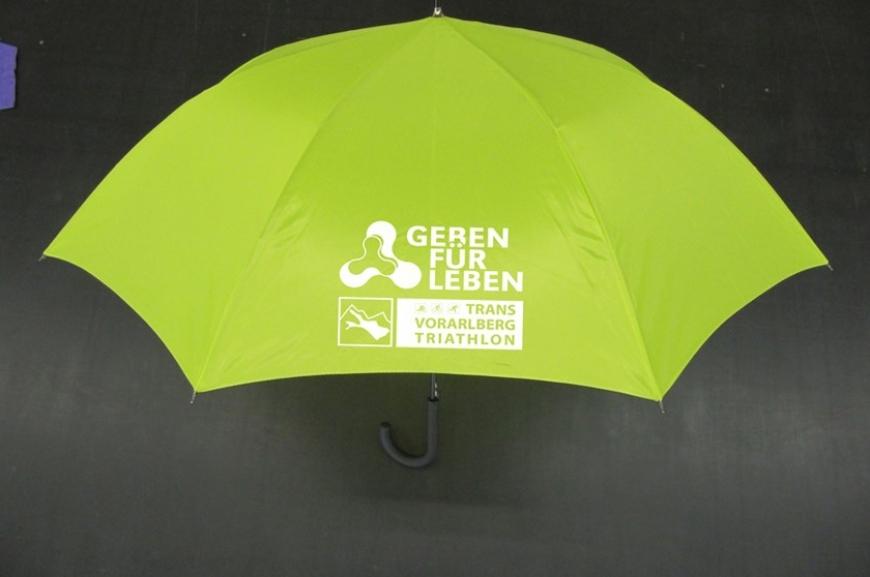 'Kauf von Regenschirmen und Prämierung der lustigsten Schirmfotos!'-Bild-6