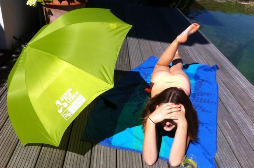 'Kauf von Regenschirmen und Prämierung der lustigsten Schirmfotos!'-Bild-14