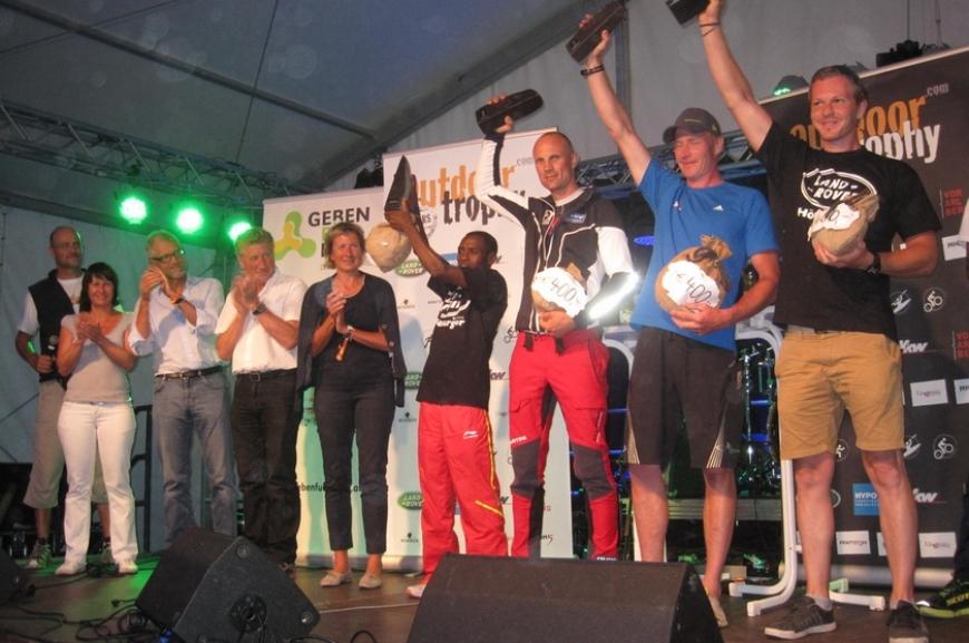 'High Five unterstützt durch Tombola bei Outdoor Trophy!'-Bild-12