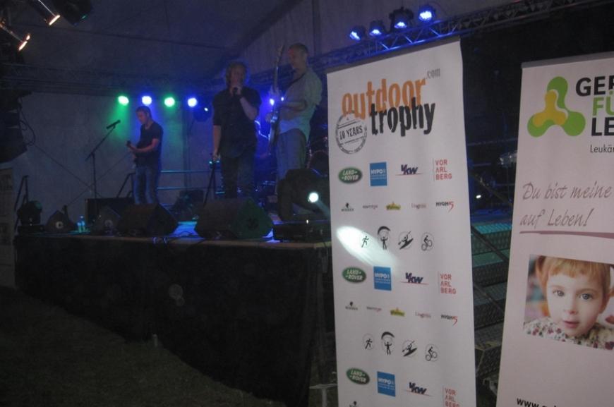'High Five unterstützt durch Tombola bei Outdoor Trophy!'-Bild-13