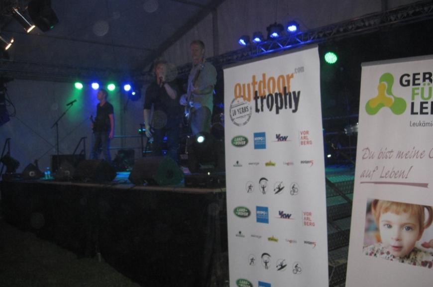 'High Five unterstützt durch Tombola bei Outdoor Trophy!'-Bild-14