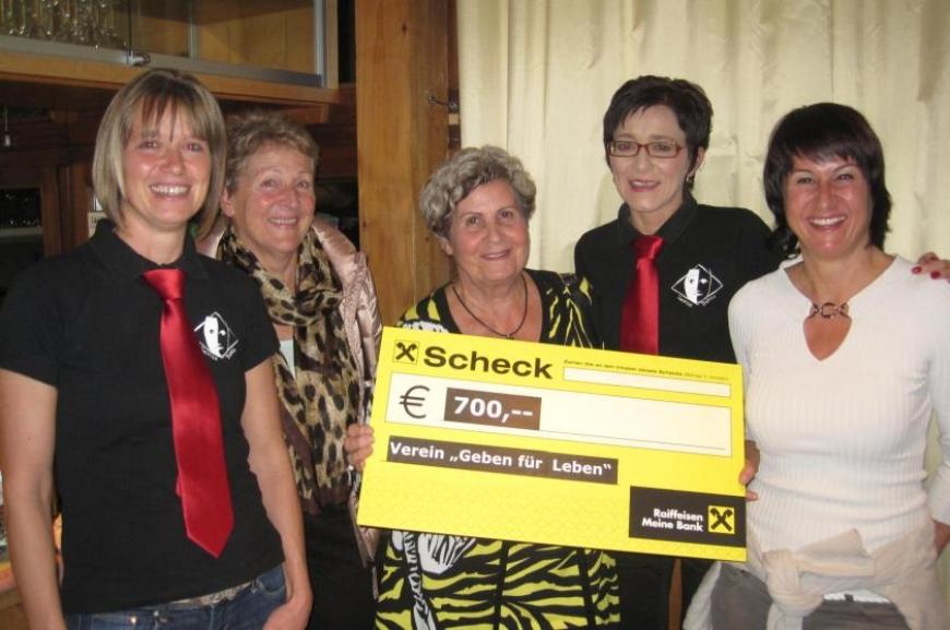 'Theatergruppe Doren spendet bei Premiere € 700,-!'-Bild-1