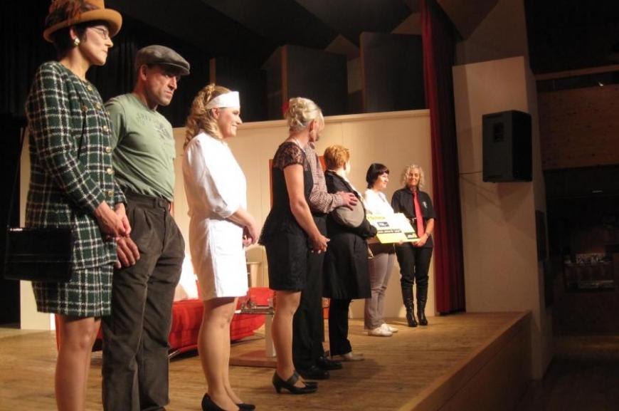 'Theatergruppe Doren spendet bei Premiere € 700,-!'-Bild-11