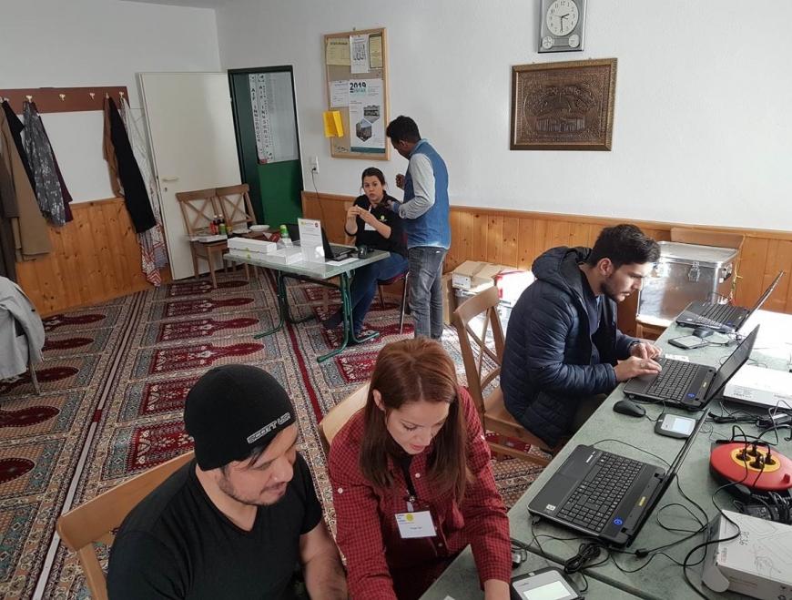 'Österreichisch - muslimische Gemeinschaft hilft kleinem Mädchen'-Bild-9