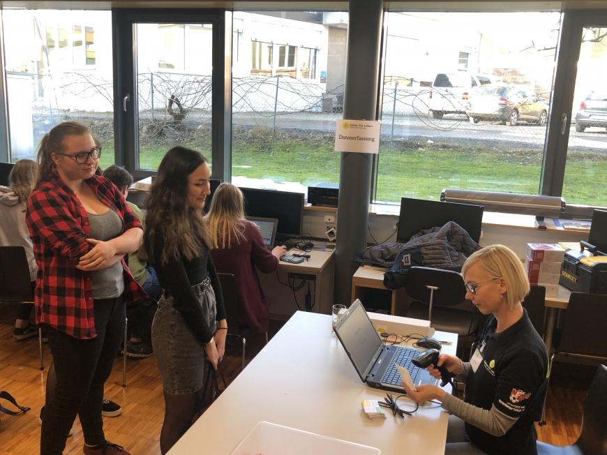 'Schulprojekt der Landesberufsschule Dornbirn 2 erzielt großartiges Ergebnis bei Typisierungsaktion'-Bild-5