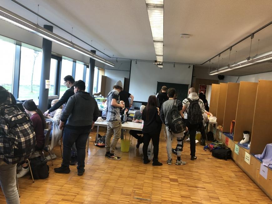'Schulprojekt der Landesberufsschule Dornbirn 2 erzielt großartiges Ergebnis bei Typisierungsaktion'-Bild-8