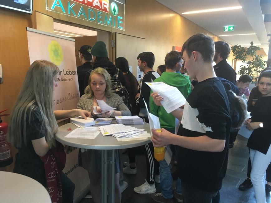 'Schulprojekt der Landesberufsschule Dornbirn 2 erzielt großartiges Ergebnis bei Typisierungsaktion'-Bild-9