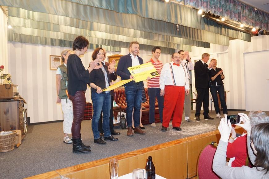 'Tolles Theater spendet Einnahmen an unseren Verein und an den Krankenpflegeverein Hohenweiler'-Bild-2