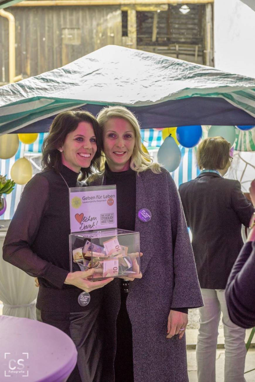 'Tolle Benefizaktion zum 20ten Jubiläum eines Haarstudios in Wilhelmsburg'-Bild-2
