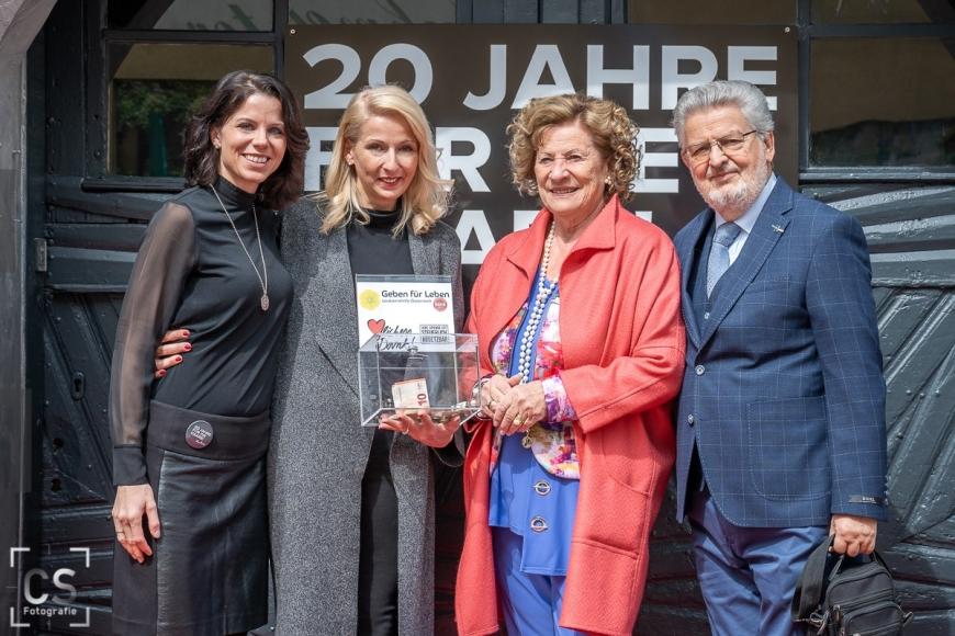 'Tolle Benefizaktion zum 20ten Jubiläum eines Haarstudios in Wilhelmsburg'-Bild-4