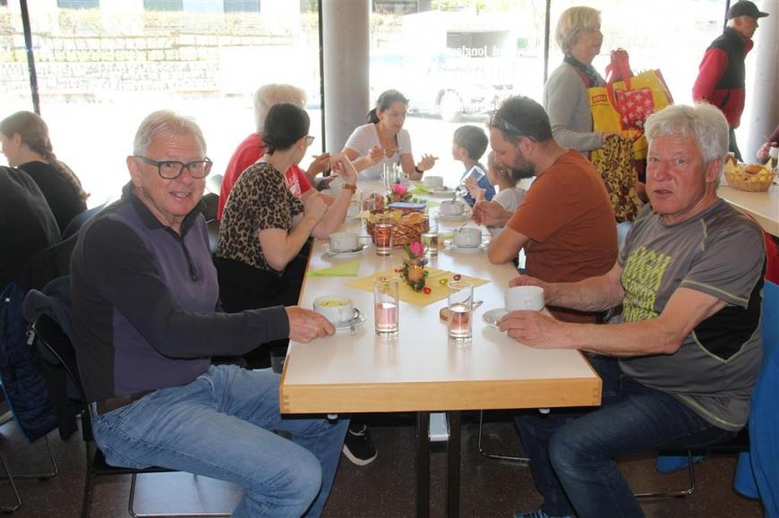 'Erfolgreiche Montafoner Köchinnen unterstützen unseren Verein mit Suppenverkauf'-Bild-6