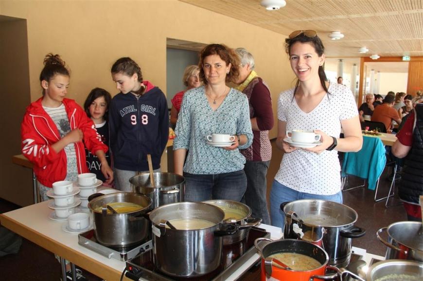'Erfolgreiche Montafoner Köchinnen unterstützen unseren Verein mit Suppenverkauf'-Bild-8