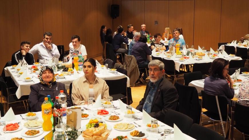 'Viertes Fastenbrechen des Integrationsbeirats in Altach ein voller Erfolg'-Bild-7