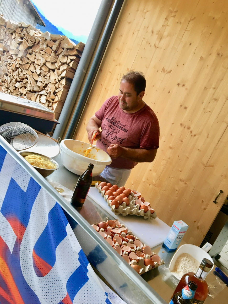 'Essen als Dankeschön für Benefizkonzerte im Dorner Hof Sibratsgfäll'-Bild-7