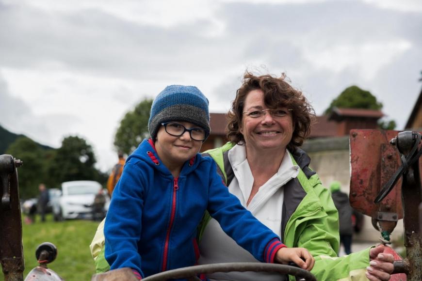 'Junger Patient aus Imst bekommt Hubschrauberflug mit Serienstars'-Bild-14