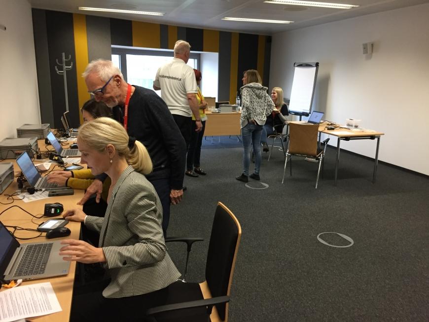 'Firmentypisierung bei Siemens in Wien auch bei Spende großer Erfolg'-Bild-3