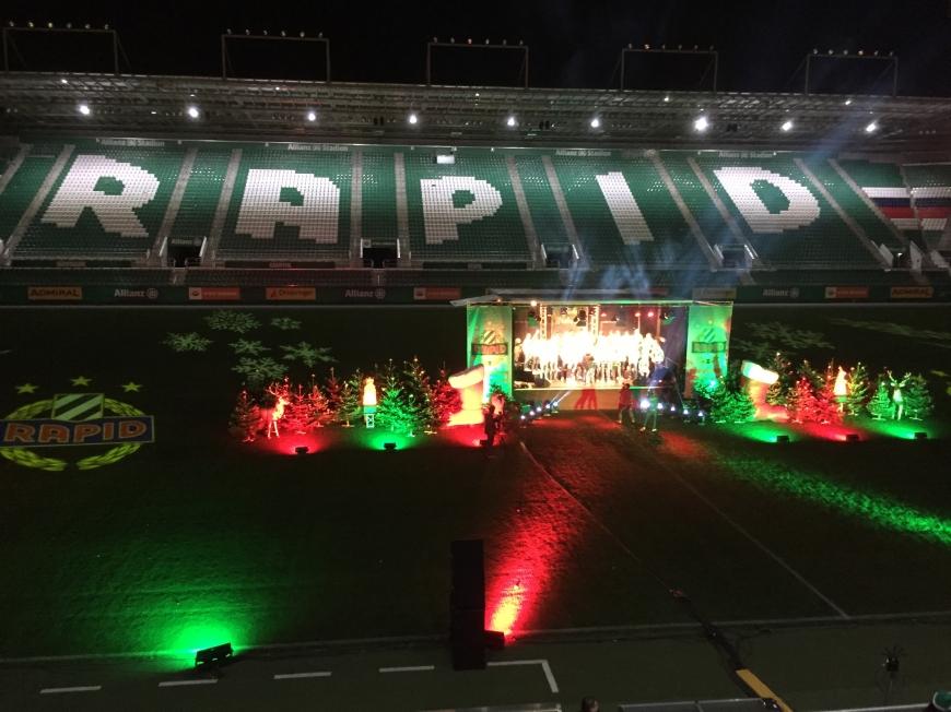 'Beliebter Fußballclub lud Fans zur Weihnachtsfeier mit Typisierung ins Stadion ein'-Bild-4